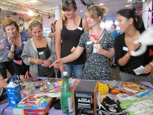 Picking Ceremony of Surprise party items at Hide&Seek Weekender 2012